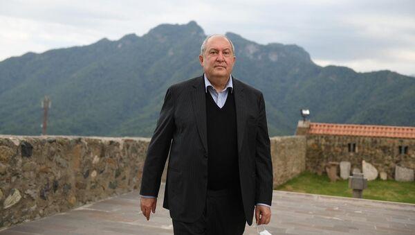 Президент Армен Саркисян посетил монастырский комплекс Гандзасар (10 июля 2020). Карабах - Sputnik Արմենիա