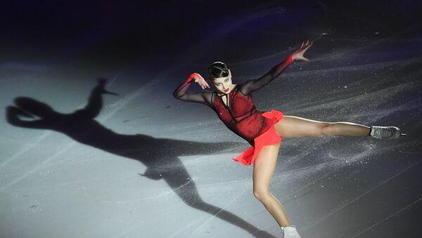 Алена Косторная выступает на гала-вечере фестиваля фигурного катания Путь к победе! (26 февраля 2020). Мосвa - Sputnik Армения