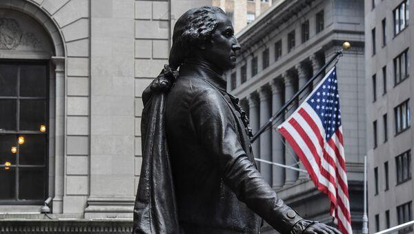 Статуя Джорджа Вашингтона возле здания Нью-Йоркской фондовой биржи на Уолл-Стрит - Sputnik Արմենիա