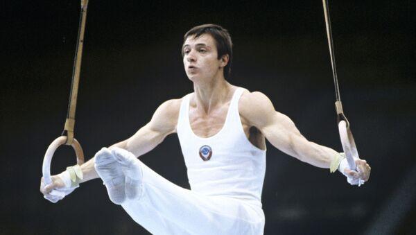 Абсолютный чемпион СССР 1979 года по спортивной гимнастике, олимпийский чемпион 1980 года в командном первенстве Эдуард Азарян - Sputnik Արմենիա