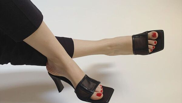 Полезная инвестиция: три лучшие пары летней обуви от армянских дизайнеров  - Sputnik Армения