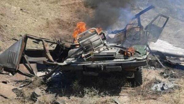 Обстрелянный азербайджанским беспилотником автомобиль МЧС Армении (16 июля 2020). Тавуш - Sputnik Армения