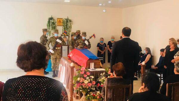Похороны Смбата Габриеляна в Чамбараке (16 июля 2020). - Sputnik Армения