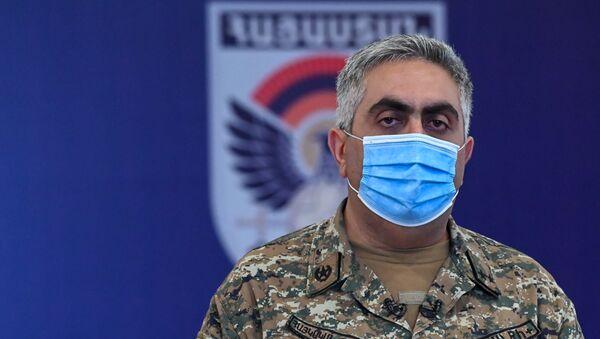 Арцрун Ованнисян во время брифинга по теме ситуации на армяно-азербайджанской границе (16 июля 2020). Иджеван - Sputnik Արմենիա