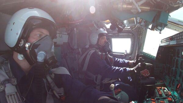 Ответ на учения НАТО: экипажи самолетов ТУ-22М3 отработали пуски ракет по целям в Баренцевом море - Sputnik Армения