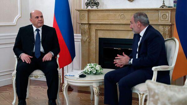 Встреча премьер-министров Армении и России Никола Пашиняна и Михаила Мишустина (17 июля 2020). Минск - Sputnik Армения
