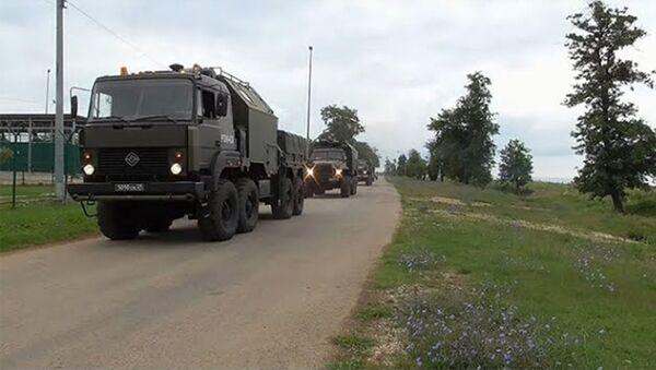 Выход боевой техники: кадры масштабной внезапной проверки готовности войск - Sputnik Армения