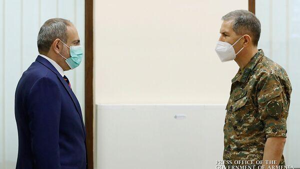Премьер-министр Никол Пашинян встретился с военным руководством страны (18 июля 2020). Еревaн - Sputnik Армения