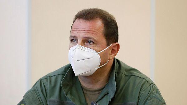 Министр обороны Давид Тоноян во время встречи премьер-министра с военным руководством страны (18 июля 2020). Еревaн - Sputnik Արմենիա