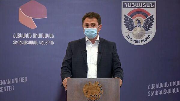 Гунбернатор Тавуша Айк Чобанян во время брифинга по теме ситуации на армяно-азербайджанской границе (18 июля 2020). Иджеван - Sputnik Արմենիա