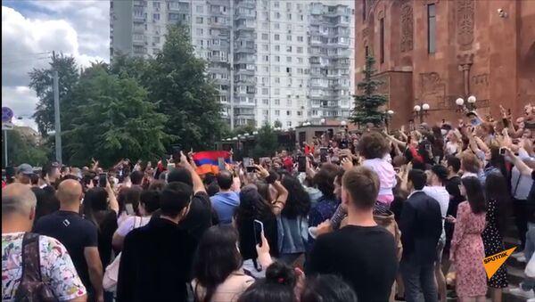 Армяне празднуют Вардавар на территории церковного комплекса ААЦ - Sputnik Արմենիա