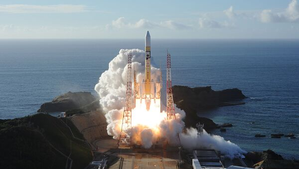 Запуск ракеты-носителя H-IIA с космическим зондом Надежда, созданным инженерами ОАЭ, с японского острова Танэгасима - Sputnik Армения