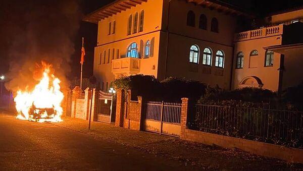 Поджог автомобиля посольства Армении в Германии (23 июля 2020). Берлин - Sputnik Արմենիա