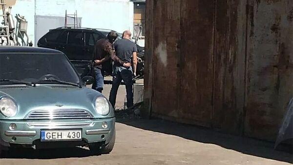 В Полтаве мужчина взял в заложники полицейского и угрожает взорвать гранату - Sputnik Արմենիա