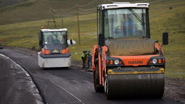 Ремонтные работы автодороги Цовагюх-Шоржа (24 июля 2020). Гегакуник - Sputnik Армения