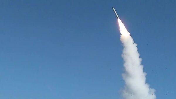 Боевой пуск ракеты из комплекса Искандер-М - Sputnik Армения