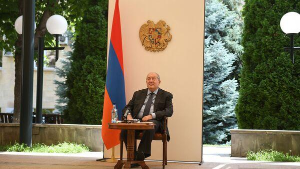 Президент Армен Саркисян на встрече с Чрезвычайным и Полномочным послом Индии в Армении (29 июля 2020). Еревaн - Sputnik Արմենիա