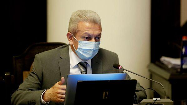 Министр финансов Атом Джанджугазян на заседании правительства Армении (30 июля 2020). Еревaн - Sputnik Армения