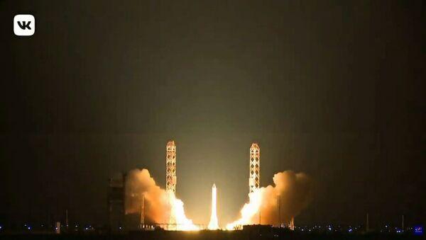 Старт тяжелой ракеты-носителя «Протон-М» с космодрома Байконур - Sputnik Армения