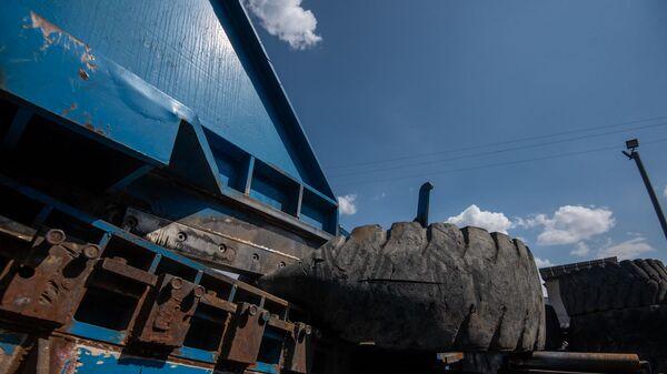 Завод по переработке использованных покрышек (31 июля 2020). Абовян - Sputnik Армения