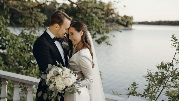 Свадьба премьер-министра Финляндии Санны Марин и Маркуса Райкконена у официальной резиденции премьер-министра Кесаранты в Хельсинки (1 августа 2020). Финляндия - Sputnik Արմենիա