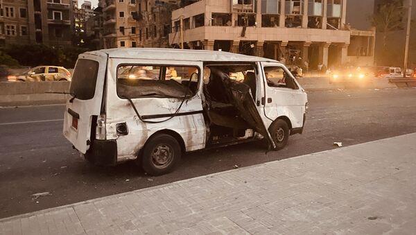 Искореженное маршрутное такси в Бейруте - Sputnik Армения