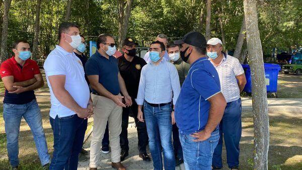 Министр окружающей среды ознакомился с незаконными постройками на территории национального парка Севан - Sputnik Արմենիա