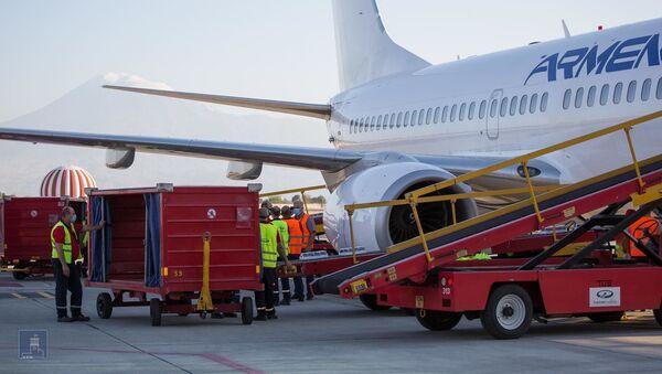 Самолет с помощью Ливану вылетел из Карабаха (9 августа 2020).  - Sputnik Армения