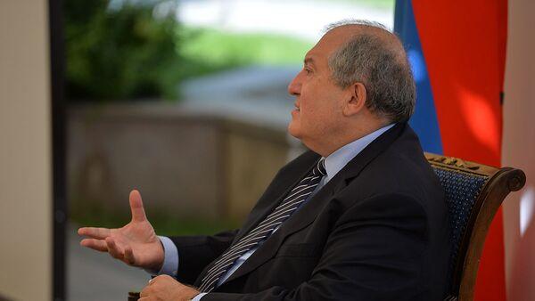 Президент Армен Саркисян встретился с представителями интеллигенции (19 августа 2020). Еревaн - Sputnik Արմենիա