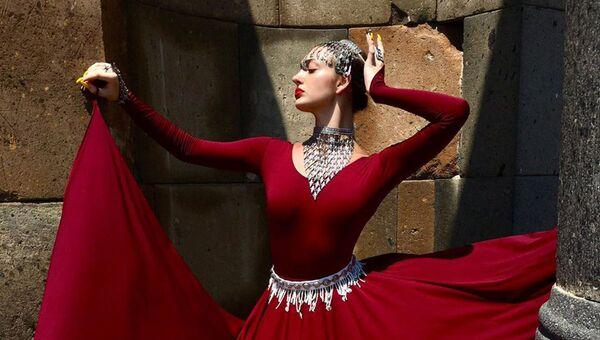 Танцуй, пока молодой: новый армянский TikTok-тренд - Sputnik Армения