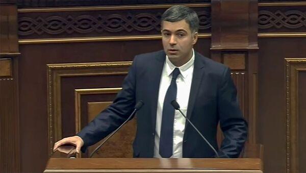 Выступление Эдгара Шатиряна на заседании парламента Армении (18 ноября 2019). Еревaн - Sputnik Արմենիա