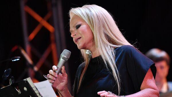 Певица Лариса Долина во время выступления на фестивале Koktebel Jazz Party 2020 (22 августа 2020). Крым - Sputnik Армения