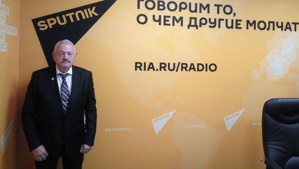 Военного университета Минобороны России, полковник в отставке Владимир Карякин - Sputnik Армения