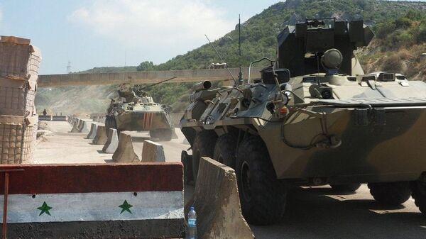 Военнослужащие РФ и Турции во время совместного патрулирования в провинции Идлиб в Сирии - Sputnik Армения