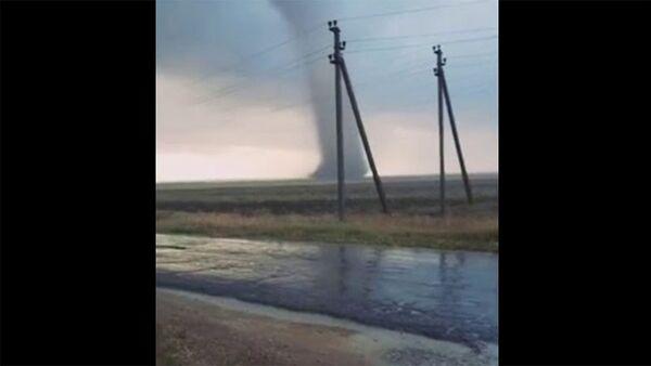 Вот такая вот торнада есть в Крыму - Sputnik Արմենիա