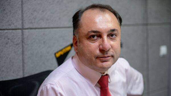 Эксперт в области образования Атом Мхитарян - Sputnik Արմենիա