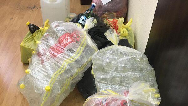 Обнаруженные бутылки с самогоном в Армавире (1 сентября 2020). Армавир - Sputnik Արմենիա