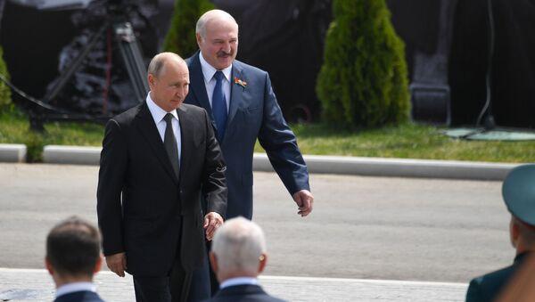 Президент РФ В. Путин и президент Беларуси А. Лукашенко открыли Ржевский мемориал Советскому солдату - Sputnik Արմենիա