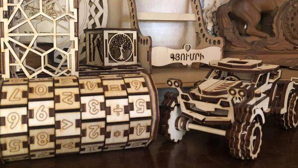 Экологически чистые деревянные игрушки, паззлы и головоломки, созданные 25-летним Геворком Овсепяном из Гюмри - Sputnik Армения