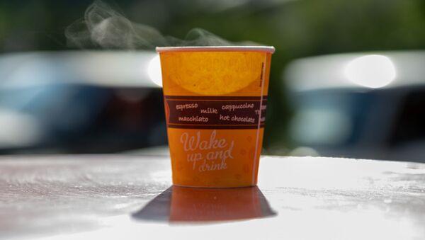 Бумажный стаканчик с кофе - Sputnik Արմենիա