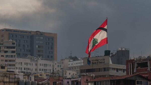 Дым от пожара на территории порта в Бейруте (10 сентября 2020). Ливан - Sputnik Армения
