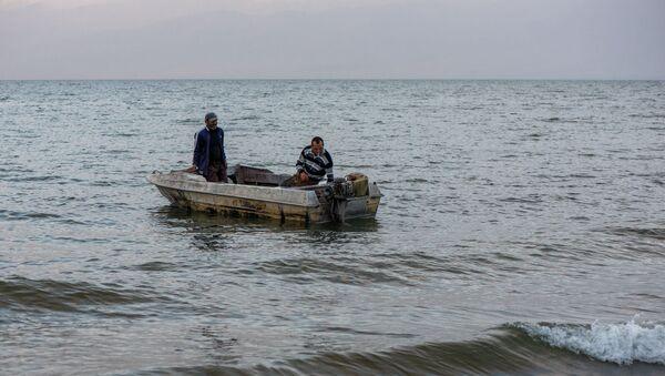 Рыбаки на озере Севан - Sputnik Արմենիա