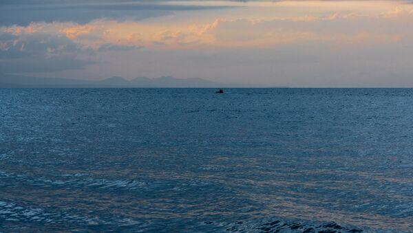 Рыбаки на озере Севан - Sputnik Армения