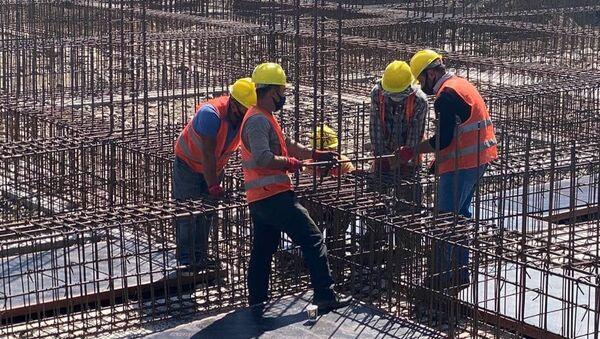 Арсен Торосян ознакомился со строительными работами медицинского центра (10 сентября 2020). Мартуни - Sputnik Արմենիա