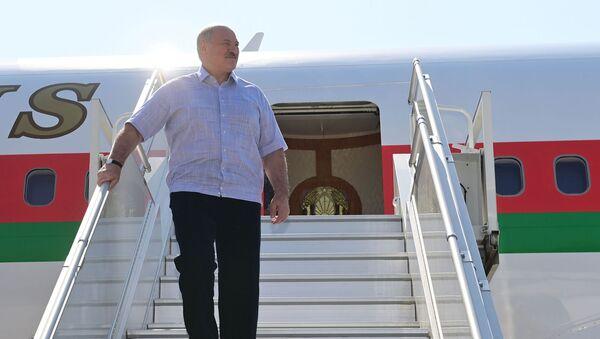 Президент Белоруссии Александр Лукашенко в аэропорту Сочи (14 сентября 2020). Сочи - Sputnik Армения