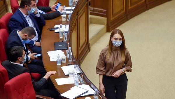 Руководитель фракции Мой шаг Лилит Макунц на очередном заседании Национального собрания Армении (16 сентября 2020). Еревaн - Sputnik Արմենիա
