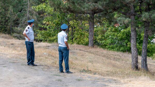 Полицейские в парке города Берд - Sputnik Արմենիա