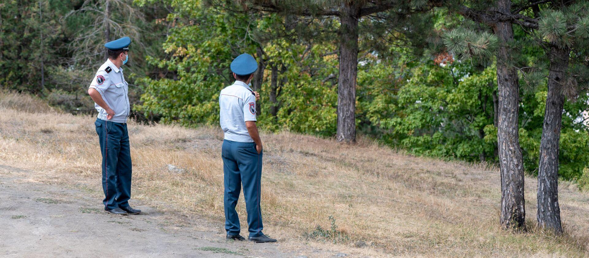Полицейские в парке города Берд - Sputnik Արմենիա, 1920, 15.08.2021