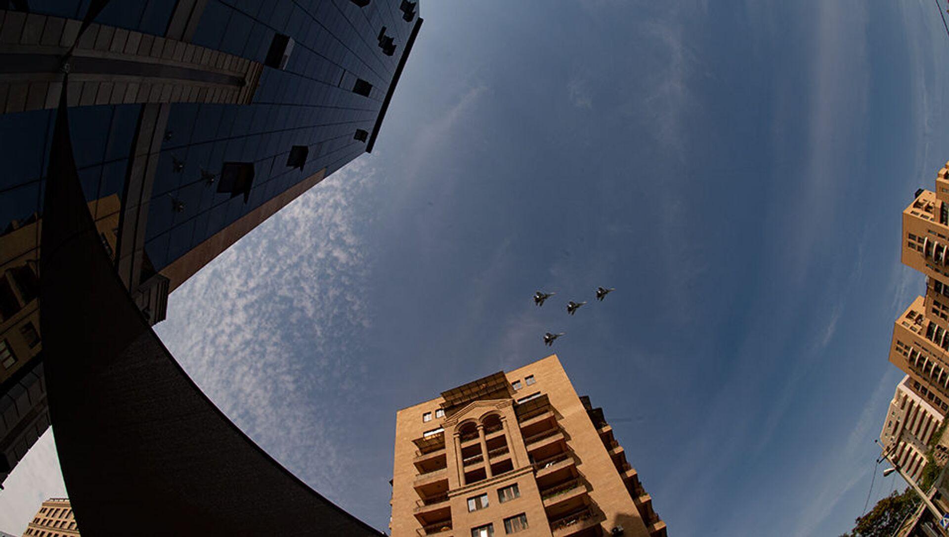 Пролет армянских истребителей в День Независимости (21 сентября 2020). Еревaн - Sputnik Արմենիա, 1920, 25.02.2021