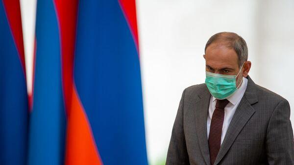 Премьер-министр Никол Пашинян перед началом церемонии награждения в честь Дня Независимости Армении (21 сентября 2020). Еревaн - Sputnik Армения